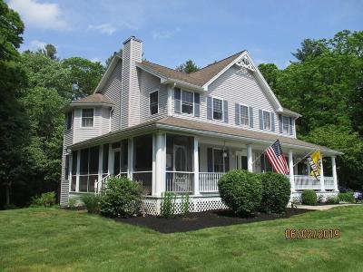 Uxbridge Single Family Home For Sale: 45 Dunleavey Brook Dr
