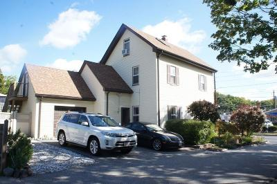 Newton Single Family Home For Sale: 200 North St