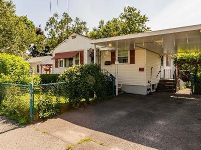 Waltham Single Family Home For Sale: 58 Princeton Avenue