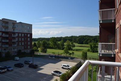 Middleton Condo/Townhouse For Sale: 38 Village Road #407