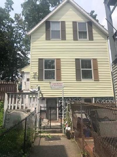 Boston Single Family Home For Sale: 27-A Hecla St