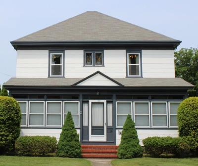 RI-Newport County Single Family Home For Sale: 1119 Main Rd