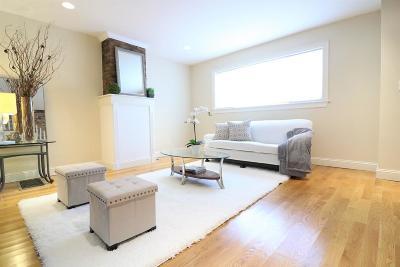 Boston Single Family Home For Sale: 148 Bunker Hill St
