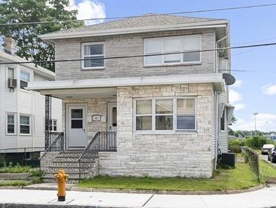 Medford Multi Family Home For Sale: 102 Windsor Road