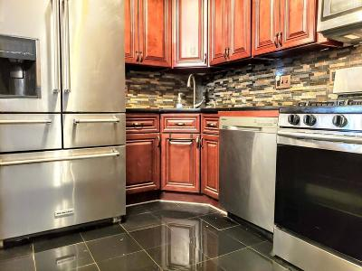 Boston Condo/Townhouse For Sale: 175 Clare Ave #B4