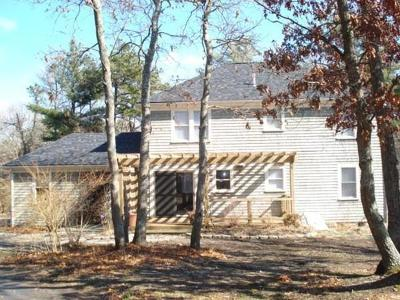 Mashpee Single Family Home For Sale: 706 Old Barnstable Rd