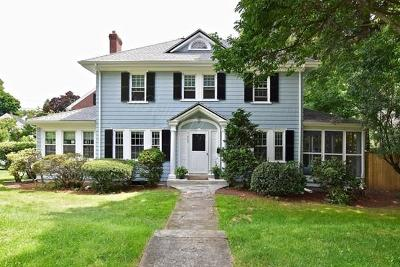 Medford Single Family Home For Sale: 859 Fellsway W