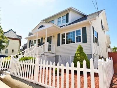Everett Single Family Home For Sale: 41 Reynolds Ave