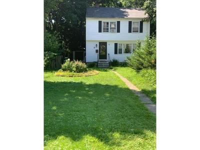 Medford Single Family Home For Sale: 21 Jerome St