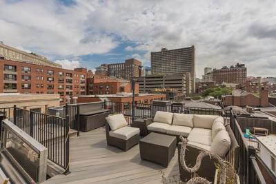 Boston Single Family Home For Sale: 52 Piedmont St