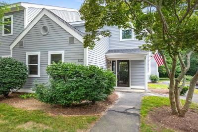 Hingham Condo/Townhouse For Sale: 1301 Tuckers Ln #1301