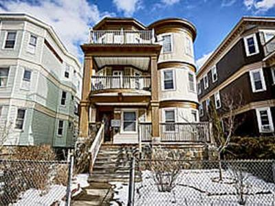 Multi Family Home Under Agreement: 432 Washington St
