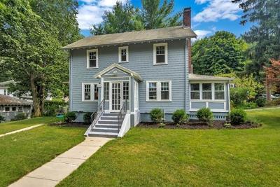 Newton Single Family Home For Sale: 239 Harvard Cir