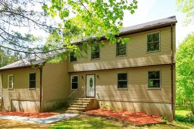 Plainfield, Voluntown, Griswold, Sterling, Killingly Single Family Home For Sale: 727 Squaw Rock Rd