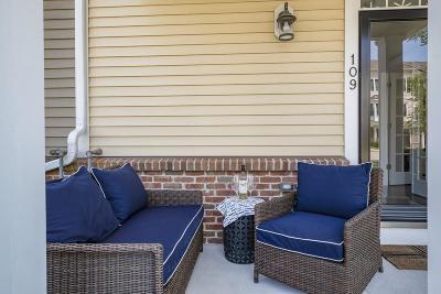 Hingham Single Family Home For Sale: 109 Stayner Dr #109