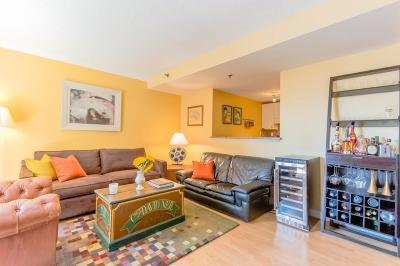 Condo/Townhouse Contingent: 15 N Beacon St #408