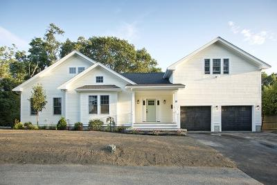 Hingham Single Family Home For Sale: 18 Wompatuck Rd
