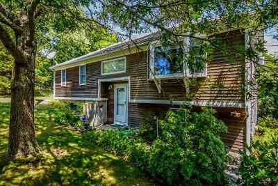 Falmouth Single Family Home For Sale: 14 Fresh Pond Rd