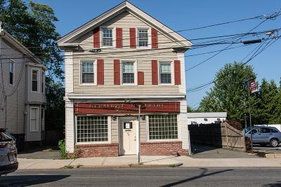 Salem MA Multi Family Home For Sale: 92 North St
