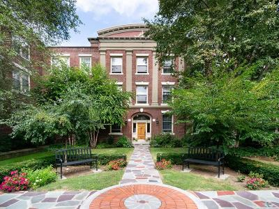 Brookline Condo/Townhouse For Sale: 139 Beaconsfield Road #4