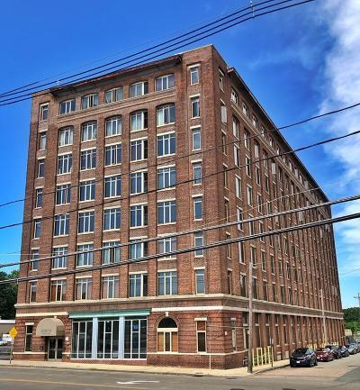 Brockton Condo/Townhouse Contingent: 146 Court St. #105