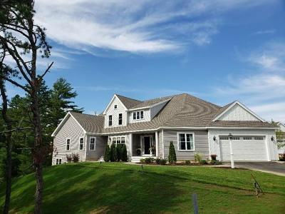 Plymouth Single Family Home For Sale: 14 Greenbrier Court