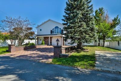 Saugus Single Family Home For Sale: 18 Tuscan Ave