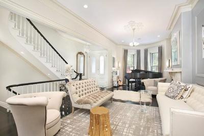 Boston Single Family Home For Sale: 152 West Newton Street