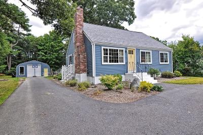 Foxboro Single Family Home For Sale: 32 Oak Street