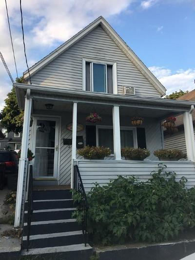 Everett Single Family Home For Sale: 25 Villa Ave