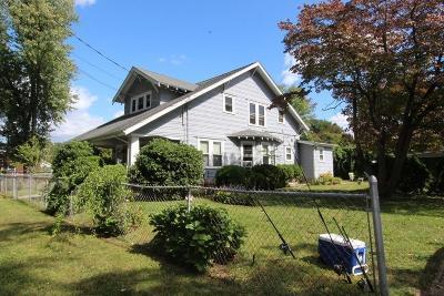 Seekonk Multi Family Home New: 19 Perrin Ave