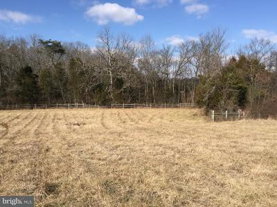 Nokesville Farm Active Under Contract: 13011 Hickerson Lane