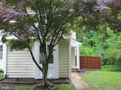Dumfries Townhouse Active Under Contract: 5250 Spring Branch Boulevard