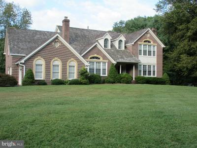 Vienna Single Family Home For Sale: 10731 Hunters Place