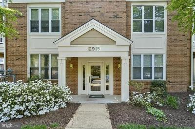 Fairfax County, Fairfax City Single Family Home Active Under Contract: 12915 Alton Square #417