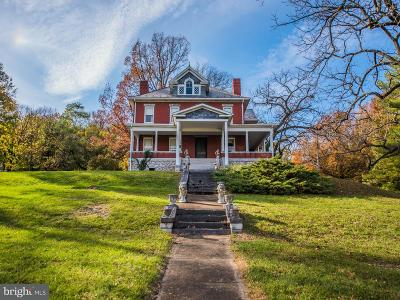 Warren County Single Family Home For Sale: 240 Virginia Avenue