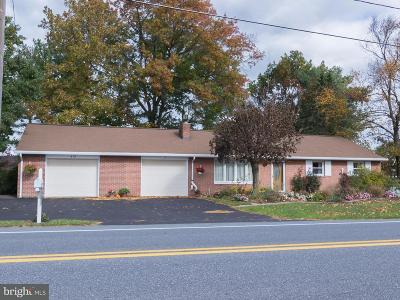 Lititz Single Family Home For Sale: 419 E 28th Division Highway