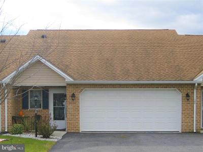 Shippensburg Single Family Home For Sale: 108 Central Way