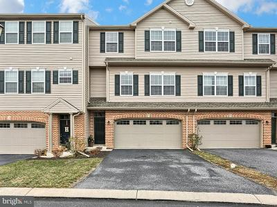 Lemoyne Townhouse For Sale: 4 Dougherty Dr Drive