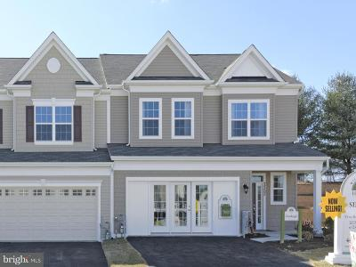 Townhouse Active Under Contract: 7732 River Rock Way