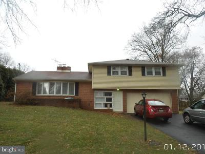 Camp Hill, Mechanicsburg Single Family Home For Sale: 550 Saint Johns Drive