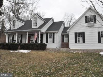 Carlisle Single Family Home For Sale: 21 Meadow Drive