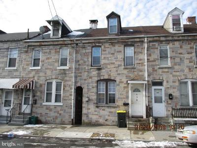 Lancaster Single Family Home For Sale: 438 S Prince Street