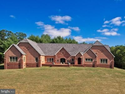 Shenandoah County Single Family Home For Sale: 99 Blackhawk Lane