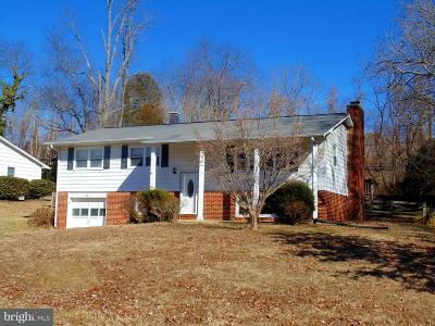 Single Family Home For Sale: 14 Carvel Circle