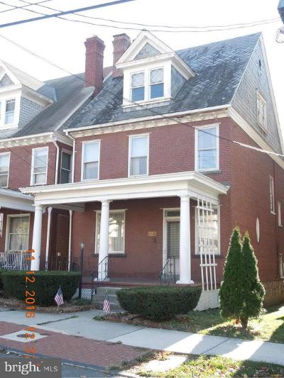 Cumberland Single Family Home For Sale: 322 Fayette Street