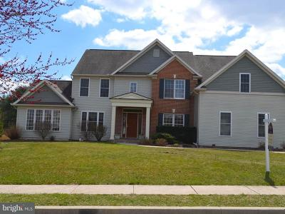 Hershey Single Family Home For Sale: 60 Hawthorne Drive