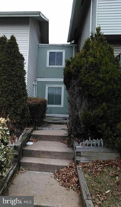 Gaithersburg MD Townhouse Active Under Contract: $159,000