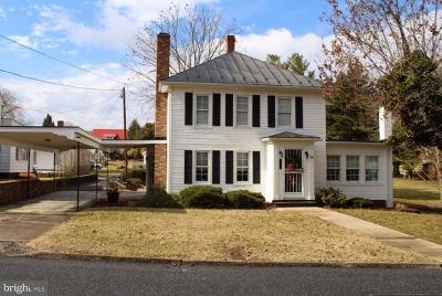 Page County Single Family Home For Sale: 111 Court Street