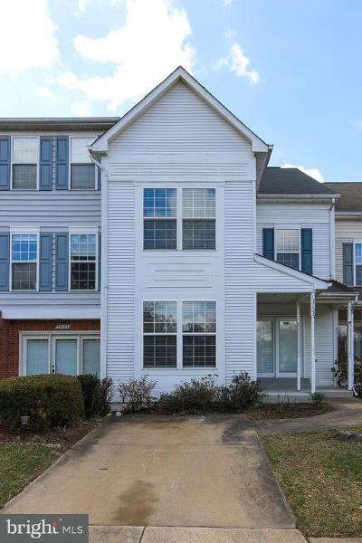 Fairfax, Fairfax Station Townhouse For Sale: 13103 Summer Rain Terrace